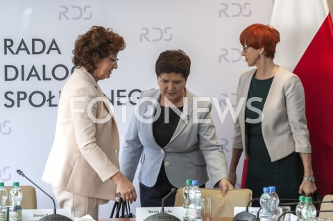 Negocjacje rządu z nauczycielami w Warszawie
