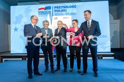 AGENCJA FOTONEWS - 04.04.2019 WARSZAWAPREZENTACJA HASLA I ZALOZEN PROGRAMOWYCH KOALICJI EUROPEJSKIEJ N/Z WLODZIMIERZ CZARZASTY MAREK KOSSAKOWSKI  WLADYSLAW KOSINIAK KAMYSZ GRZEGORZ SCHETYNA KATARZYNA LUBNAUER WSPOLNE ZDJECIE GRUPOWEFOT GRZEGORZ KRZYZEWSKI/FOTONEWS