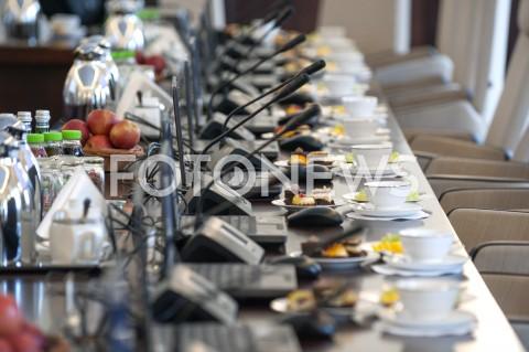 AGENCJA FOTONEWS - 29.04.2019 WARSZAWAPOSIEDZENIE RADY MINISTROWPOSIEDZENIE RZADUN/Z MIKROFONY SALA FILIZANKIFOT GRZEGORZ KRZYZEWSKI / FOTONEWS