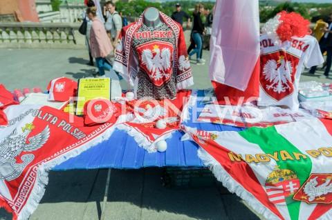 AGENCJA FOTONEWS - 01.05.2019 WARSZAWAMARSZ SUWERENNOSCIN/Z KOSZULKI FLAGI SZALIKIFOT MAREK KONRAD / FOTONEWS