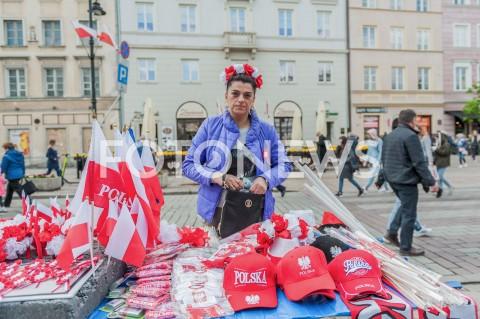 AGENCJA FOTONEWS - 03.05.2019 WARSZAWA OBCHODY SWIETA NARODOWEGO 3 MAJA N/Z SPRZEDAWCA FLAGFOT MAREK KONRAD / FOTONEWS