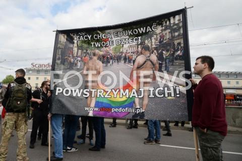 AGENCJA FOTONEWS - 25.05.2019 GDANSK5. TROJMIEJSKI MARSZ ROWNOSCI W GDANSKUN/Z TRANSPARENT STOP PEDOFILII SPRZECIW WOBEC LGBTFOT MATEUSZ SLODKOWSKI / FOTONEWS