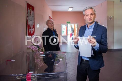 AGENCJA FOTONEWS - 26.05.2019 WARSZAWAWYBORY DO PARLAMENTU EUROPEJSKIEGOGLOSOWANIE ROBERTA BIEDRONIA N/Z ROBERT BIEDRONFOT MAREK KONRAD / FOTONEWS