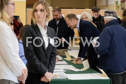 AGENCJA FOTONEWS - 26.05.2019 SOPOTDONALD TUSK GLOSUJE W WYBORACH DO PARLAMENTU EUROPEJSKIEGO W SOPOCIEN/Z DONALD TUSKFOT MATEUSZ SLODKOWSKI / FOTONEWS