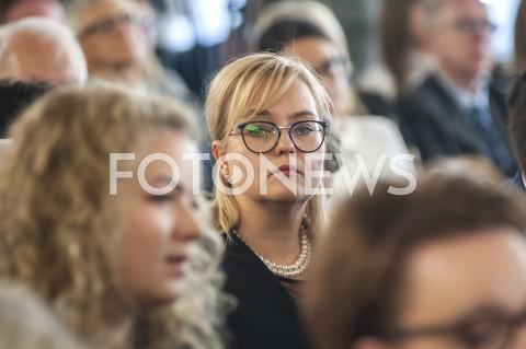 AGENCJA FOTONEWS - 31.05.2019 WARSZAWA SEJMWRECZENIE POSLOM PARLAMENTU EUROPEJSKIEGO ZASWIADCZENIA O WYBORZEN/Z MAGDALENA ADAMOWICZFOT GRZEGORZ KRZYZEWSKI / FOTONEWS