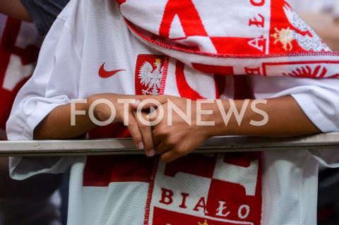 AGENCJA FOTONEWS - 10.06.2019 - WARSZAWAPILKA NOZNA - KWALIFIKACJE UEFA EURO 2020FOOTBALL UEFA EURO 2020 QUALIFIERSMECZ POLSKA (POLAND) - IZRAEL (ISRAEL)N/Z KIBICE TRYBUNY KOSZULKA REPREZENTACJI SZALIKFOT MATEUSZ SLODKOWSKI / FOTONEWS