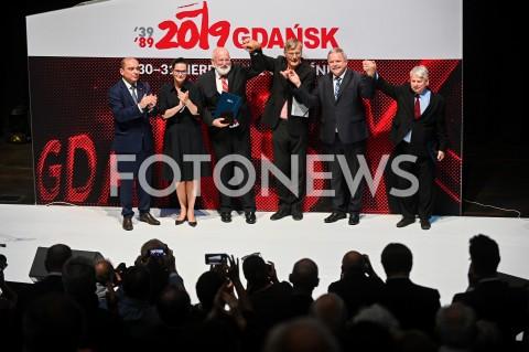 AGENCJA FOTONEWS - 31.08.2019 GDANSKOBCHODY 39. ROCZNICY POROZUMIEN SIERPNIOWYCH W GDANSKUCEREMONIA WRECZENIA MEDALI WDZIECZNOSCI W EUROPEJSKIM CENTRUM SOLIDARNOSCIN/Z BASIL KERSKI ALEKSANDRA DULKIEWICZ FRANS TIMMERMANS GABOR DEMSZKY MYROSLAV MARYNOVYCH BOGDAN BORUSEWICZFOT MATEUSZ SLODKOWSKI / FOTONEWS