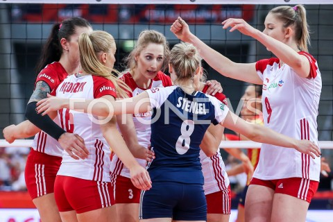 AGENCJA FOTONEWS - 01.09.2019 LODZ ( POLAND )SIATKOWKA KOBIET MISTRZOSTWA EUROPY KOBIET CEV EUROVOLLEY 2019 WOMEN EUROPEAN CHAMPIONSHIP1/8 FINALU MECZ POLSKA - HISZPANIA ( Poland - Spain ) N/Z KLAUDIA ALAGIERSKA MARIA STENZEL MAGDALENA STYSIAK RADOSC EMOCJE FOT ARTUR MARCINKOWSKI / FOTONEWS