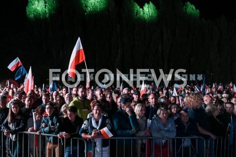 AGENCJA FOTONEWS - 01.09.2019 GDANSKOBCHODY 80. ROCZNICY WYBUCHU II WOJNY SWIATOWEJ NA WESTERPLATTE(Commemorative ceremony at Westerplatte ? 80th anniversary of the outbreak of the Second World War)N/Z PUBLICZNOSC ZEBRANA NA WESTERPLATTE NA TLE NAPIS NIGDY WIECEJ WOJNYFOT MATEUSZ SLODKOWSKI / FOTONEWS