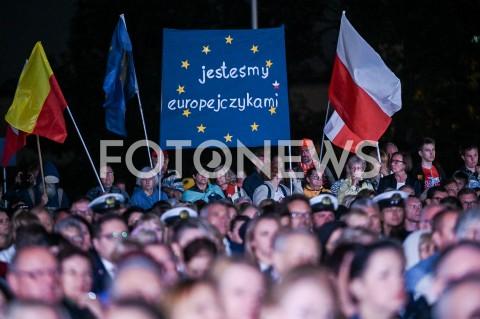 AGENCJA FOTONEWS - 01.09.2019 GDANSKOBCHODY 80. ROCZNICY WYBUCHU II WOJNY SWIATOWEJ NA WESTERPLATTE(Commemorative ceremony at Westerplatte ? 80th anniversary of the outbreak of the Second World War)N/Z TRANSPARENT JESTESMY EUROPEJCZYKAMIFOT MATEUSZ SLODKOWSKI / FOTONEWS