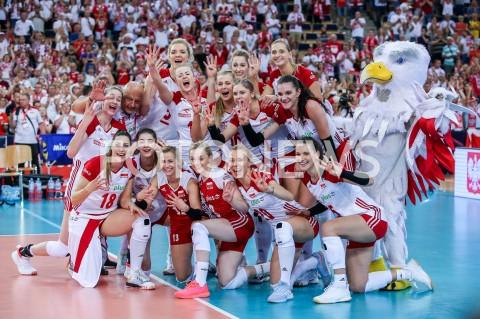 AGENCJA FOTONEWS - 04.09.2019 LODZ ( POLAND )SIATKOWKA KOBIET MISTRZOSTWA EUROPY KOBIET CEV EUROVOLLEY 2019 WOMEN EUROPEAN CHAMPIONSHIP1/4 FINALU MECZ POLSKA - NIEMCY ( Poland - Germany ) N/Z ZWYCIESTWO WYGRANA RADOSC AWANS DO POLFINALU EMOCJE ZDJECIE GRUPOWE GRUPOWKA ZAWODNICZKI SIATKARKI POMECZOWE MARTYNA GRAJBER KLAUDIA ALAGIERSKA AGNIESZKA KAKOLEWSKA MARTYNA LUKASIK MARIA STENZEL MAGDALENA STYSIAK ZUZANNA EFIMIENKO - MLOTKOWSKA PAULINA MAJ - ERWARDT JOANNA WOLOSZ ALEKSANDRA WOJCIK NATALIA MEDRZYK MALWINA SMARZEK - GODEK KATARZYNA ZAROSLINSKA - KROL MARLENA KOWALEWSKA PLESNIEROWICZ ORZEL MASKOTKA REPREZENTACJIFOT ARTUR MARCINKOWSKI / FOTONEWS