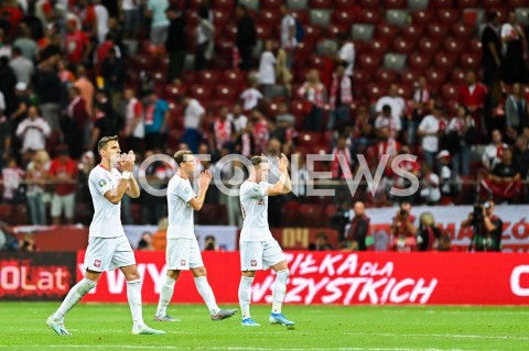 AGENCJA FOTONEWS - 09.09.2019 - WARSZAWAPILKA NOZNA - KWALIFIKACJE UEFA EURO 2020FOOTBALL UEFA EURO 2020 QUALIFIERSMECZ POLSKA (POLAND) - AUSTRIA (AUSTRIA)N/Z JAN BEDNAREK KRYSTIAN BIELIK PIOTR ZIELINSKI PODZIEKOWANIE KIBICOMFOT MATEUSZ SLODKOWSKI / FOTONEWS