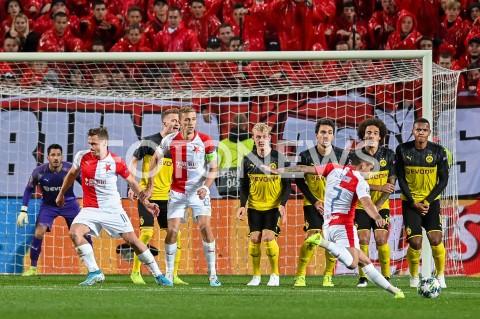 AGENCJA FOTONEWS - 02.10.2019 - PRAGAPILKA NOZNA - MECZ FAZY GRUPOWEJ LIGI MISTRZOWSLAVIA PRAGA - BORUSSIA DORTMUNDFootball - Champions League Group F match(Slavia Prague - Borussia Dortmund)N/Z NICOLAE STANCIU RZUT WOLNYFOT MATEUSZ SLODKOWSKI / FOTONEWS