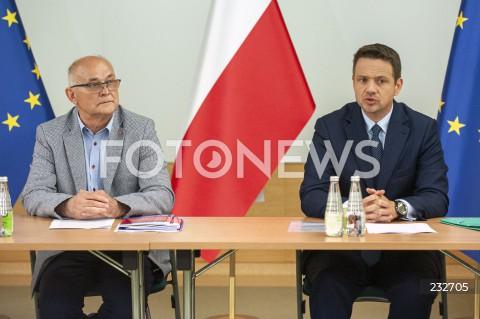 Spotkanie Rafała Trzaskowskiego z przedstawicielami związków zawodowych w Warszawie