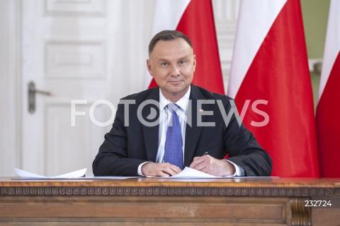 Podpisanie przez Prezydenta RP Andrzeja Dudę umowy ramowej z Krajową Radą Izb Rolniczych w Warszawie