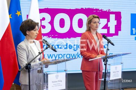Konferencja minister rodziny, pracy i polityki społecznej w Warszawie