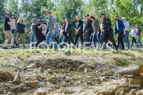 Wizyta prezydenta RP Andrzeja Dudy na terenach dotkniętych ulewami w Hadlach Szklarskich