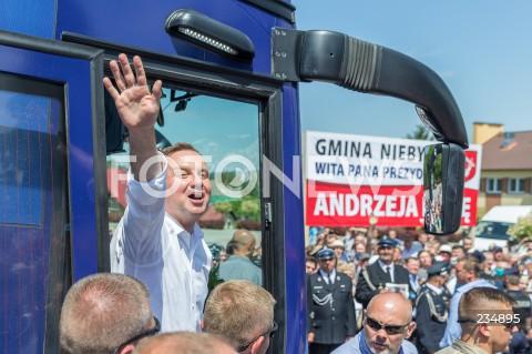Spotkanie prezydenta RP Andrzeja Dudy z mieszkańcami Niebylca