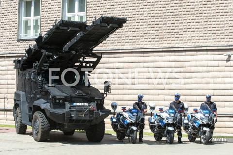 25.07.2020 WARSZAWA<br />SWIETO POLICJI <br />N/Z POLICJA SPRZET BOJOWY MOTORY<br />