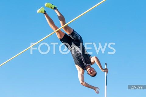 Konkurs skoku o tyczce na molo w Sopocie