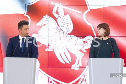 Konferencja szefa kancelarii premiera Michała Dworczyka oraz białoruskiej opozycjonistki Olgi Kovalkovej w Warszawie