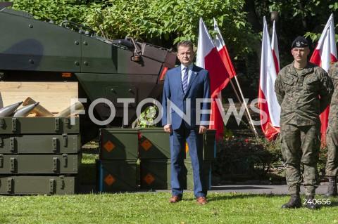 Podpisanie umów na sprzęt dla wojska w Warszawie
