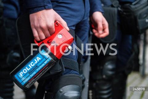 24.10.2020 GDANSK<br />PROTEST KOBIET W GDANSKU<br />N/Z GAZ POLICJA ILUSTRACJA ZDJECIE ILUSTRACYJNE<br />
