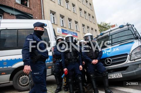 24.10.2020 GDANSK<br />PROTEST KOBIET W GDANSKU<br />N/Z POLICJA OCHRANIA SIEDZIBE PIS<br />