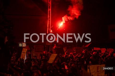 26.10.2020 GDANSK<br />PROTEST KOBIET I KONTRMANIFESTACJA W GDANSKU<br />N/Z PROTESTUJACY RACE<br />