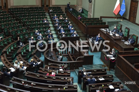 Dzień w parlamencie w Warszawie