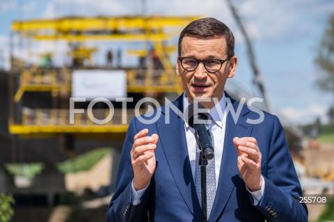 Wizyta premiera Mateusza Morawieckiego na budowie szlaku Via Carpatia w Nowej Wsi k. Niska