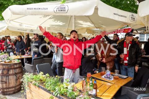 26.05.2021 GDANSK<br />FINAL LIGI EUROPY W GDANSKU - KIBICE W STARYM MIESCIE<br />N/Z KIBICE W OGRODKACH PUBOW<br />