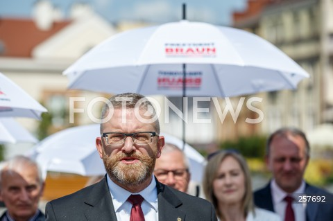 Konferencja kandydata na urząd prezydenta Rzeszowa Grzegorza Brauna podsumowująca kampanię wyborczą w Rzeszowie