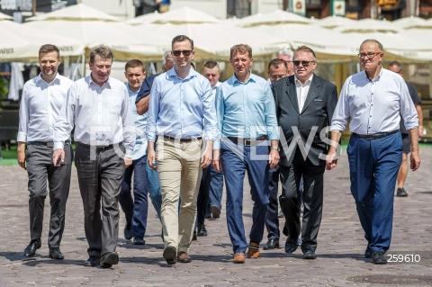 Konferencja prasowa PSL na rynku w Rzeszowie