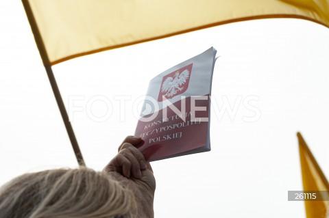 10.08.2021 WARSZAWA<br />PROTEST W OBRONIE WOLNYCH MEDIOW LEXTVN PRZED SEJMEM W WARSZAWIE<br />N/Z KONSTYTUCJA<br />