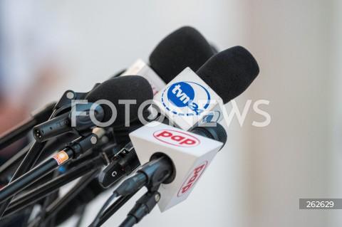 17.09.2021 WARSZAWA SEJM <br />37. POSIEDZENIE SEJMU RP<br />DZIEN TRZECI<br />N/Z KOSTKA DZIENNIKARSKA MIKROFON TVN24 PAP<br />