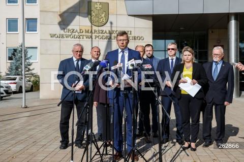 Konferencja wiceministra Marcina Warchoła i polityków Solidarnej Polski nt. sprzeciwu wobec uchylenia uchwały anty-LGBT w Rzeszowie